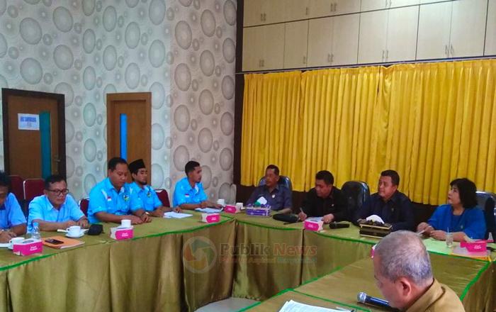 KNPI Tualang bersama Komisi IV DPRD Siak Hearing terkait rekrut tenaga kerja lokal oleh PT Truba - Publiknews