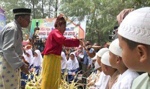 tradisi mandi safar pulau rupat - Publiknews