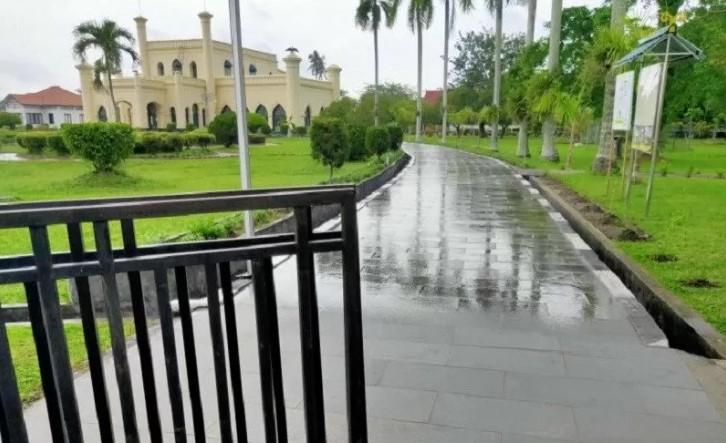 Istana Siak Tutup Selama Corona - Riau Berencana Membuka Kembali 117 Tempat Wisata yang Sebelumnya Ditutup, Jika PSBB Tidak Diperpanjang