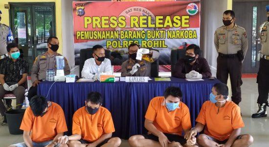 Polres Rohil, Musnahkan Barang Bukti 123,92 Gram Narkotika