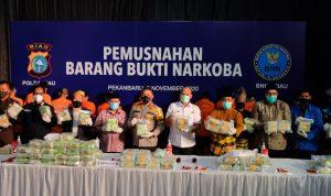 Polda Riau Bersma BNNP Musnahkan Narkotika Jenis Sabu Ratusan Kilogram dan Ribuan Ekstasi