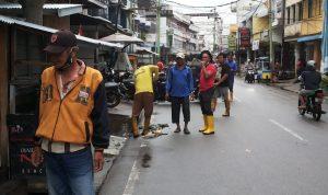 Kadis DLH Meranti Turun Langsung Atasi Banjir di Kota Sagu