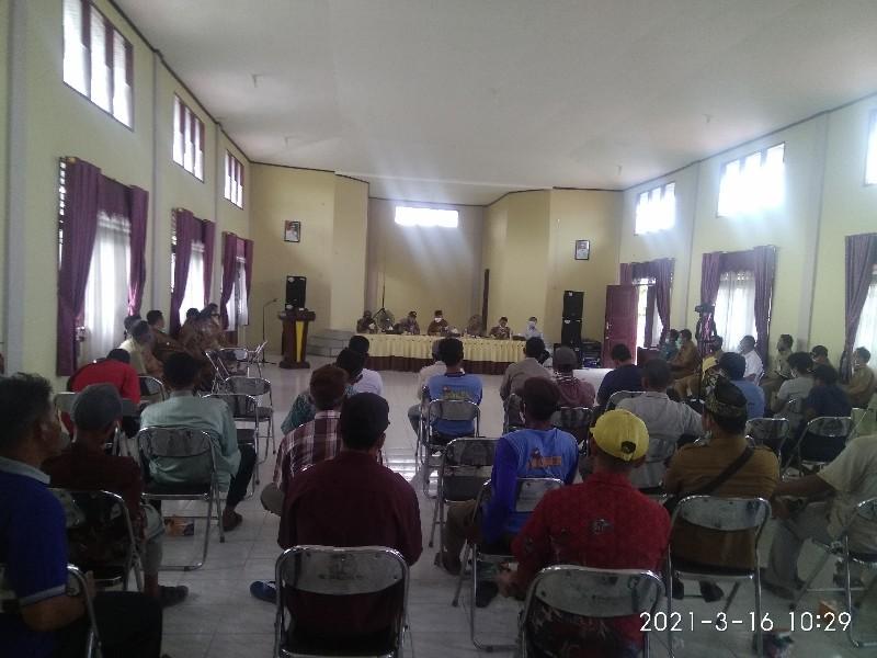 Bahas Proyek Pompanisasi Lanjutan, Pemcam Bungaraya Gelar Rapat Bersama Petani